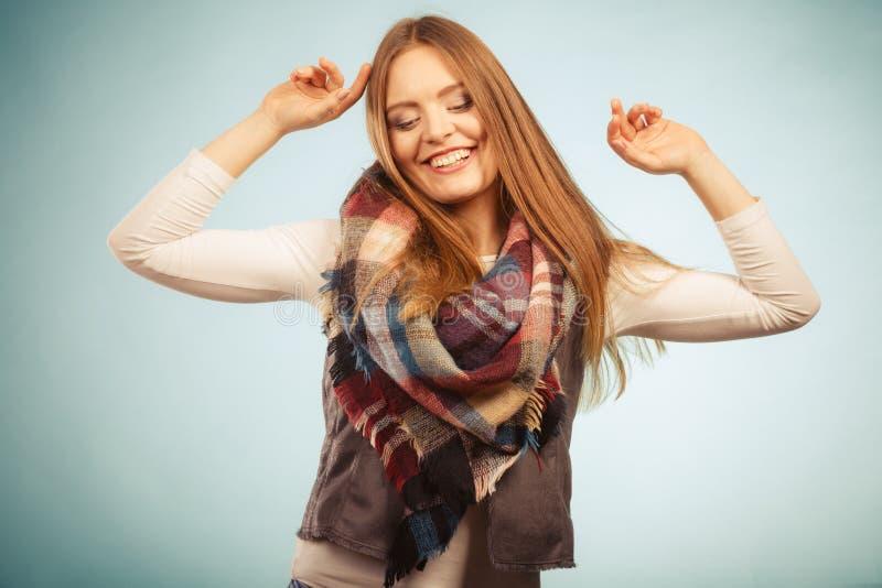 фото девушка радостная