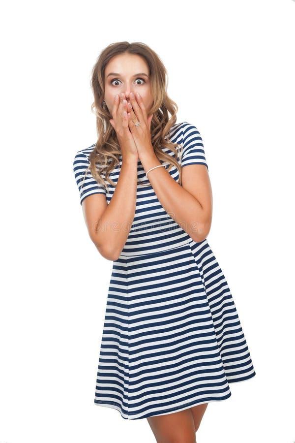 Радостная девушка на белой предпосылке стоковая фотография