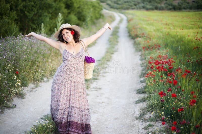 радостная женщина стоковые фотографии rf