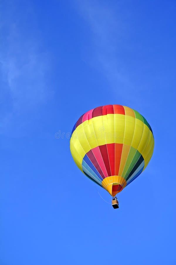 радуга воздуха покрашенная ballon горячая стоковое фото