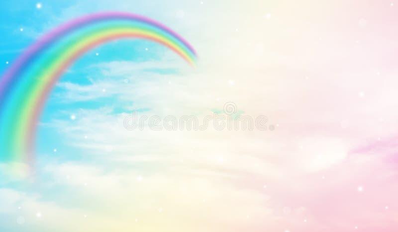 Радуга в облачном небе стоковое фото rf