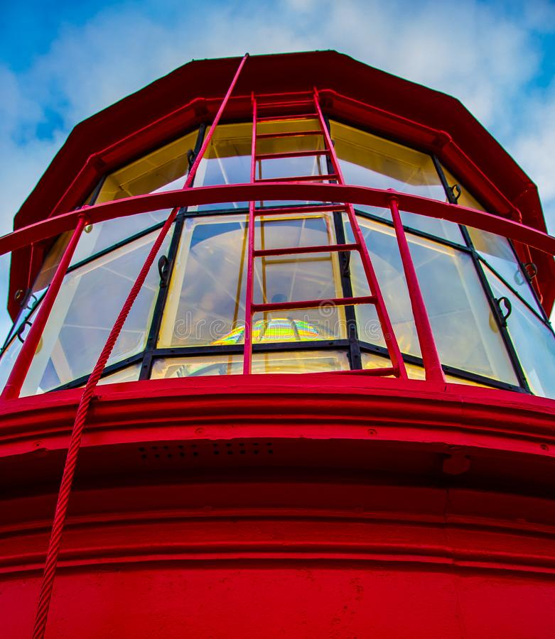 Радуга в окне маяка стоковое изображение