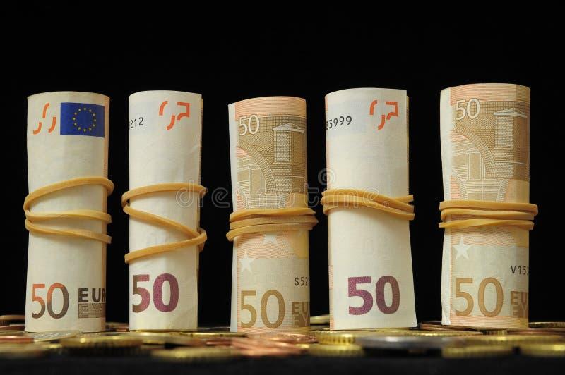 Download Разбросанные деньги стоковое фото. изображение насчитывающей деньги - 33735556