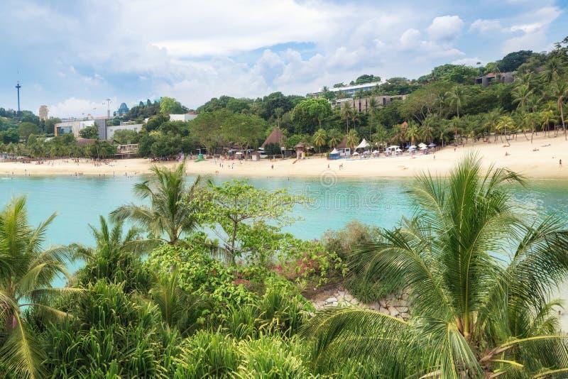 Развлечения Сингапура солнечный пляж с белым песком стоковая фотография