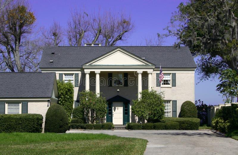 разделенная дом роскошная стоковое фото