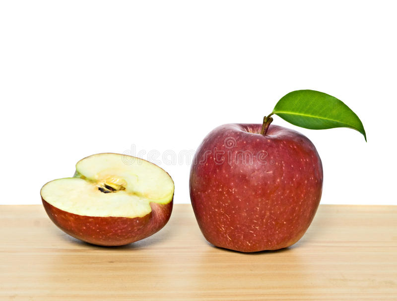 раздел красного цвета яблока стоковое фото