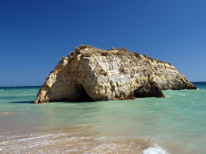 раздел rocha praia de пляжа идилличный стоковое фото rf