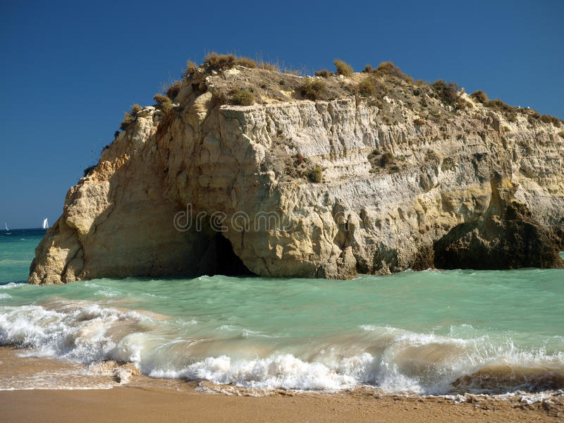 раздел rocha praia de пляжа идилличный стоковое изображение