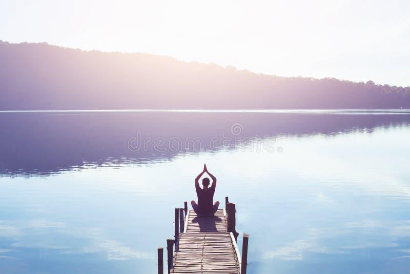 Раздумье и йога стоковое фото rf