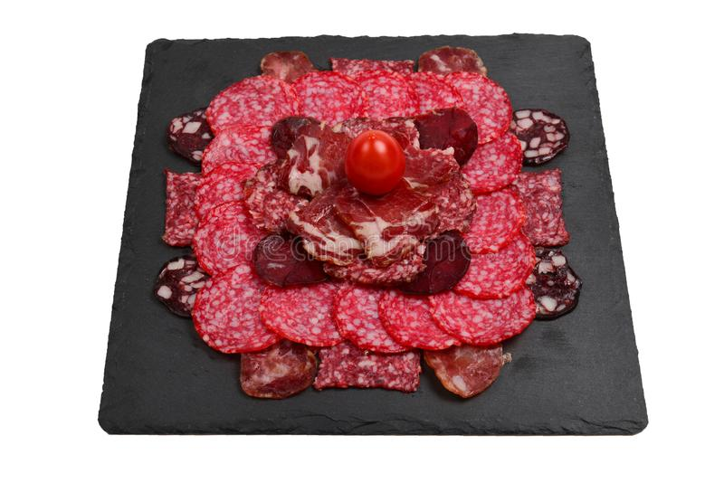 Различные виды отрезков мяса на досках На деревянной предпосылке стоковые изображения rf