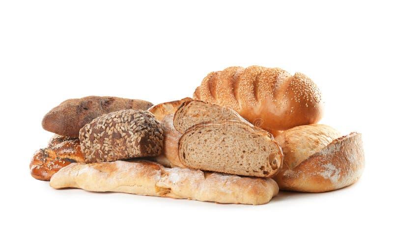 Различные виды хлеба на белизне стоковые фотографии rf