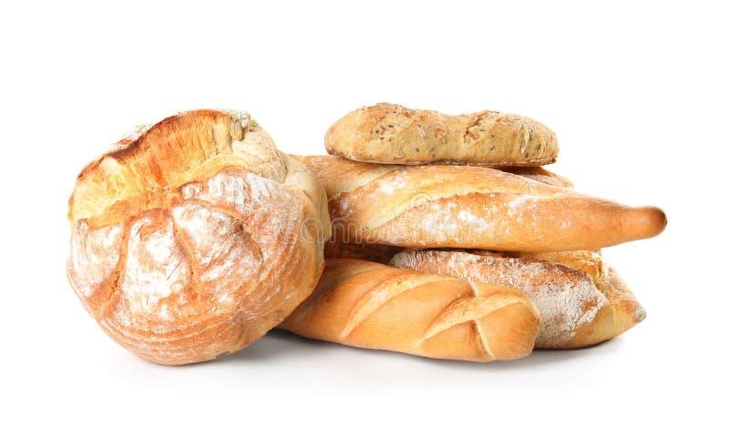 Различные виды хлеба на белизне стоковое изображение rf