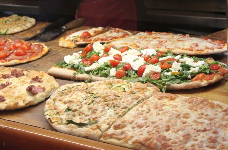 различные разнообразия пиццы стоковое фото rf
