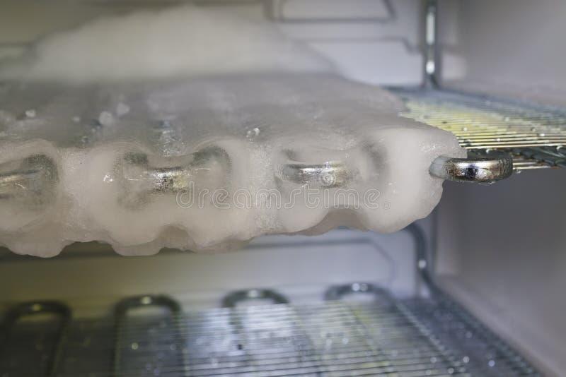Размораживать промежутка времени замораживателя стоковое фото rf