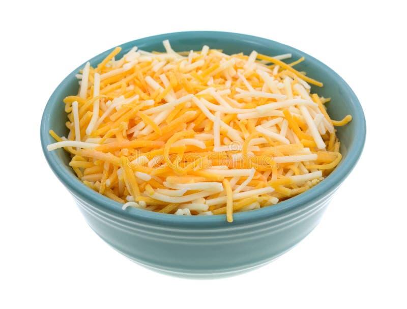 Разнообразие сыров в малом шаре стоковая фотография