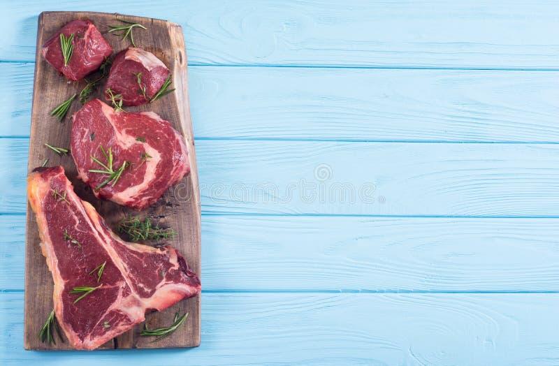 Разнообразие сырцового стейка мяса говядины стоковые фотографии rf