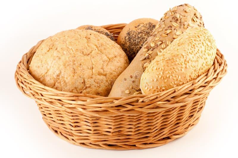 разные виды хлеба корзины стоковые изображения rf