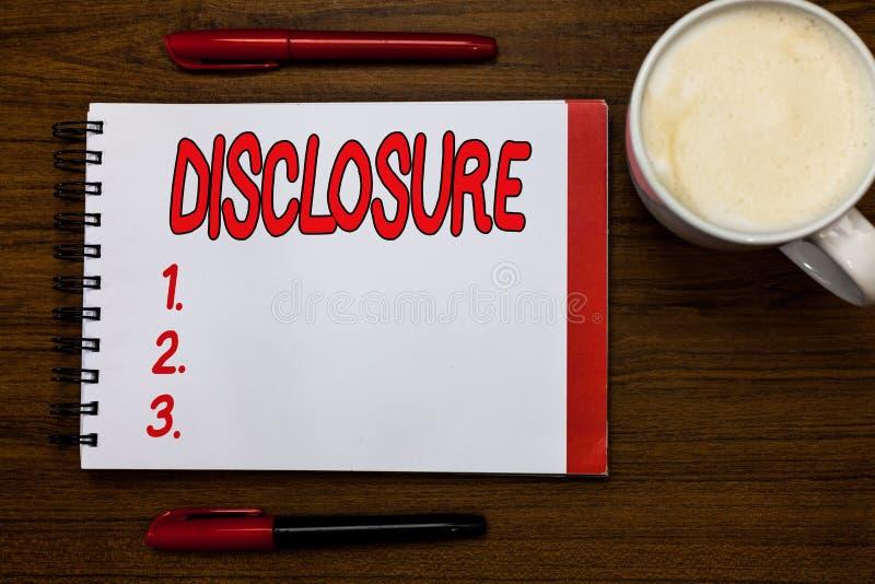 Разоблачение сочинительства текста почерка Концепция знача действие делать новое или секретная известной конфиденциальной информа стоковое фото