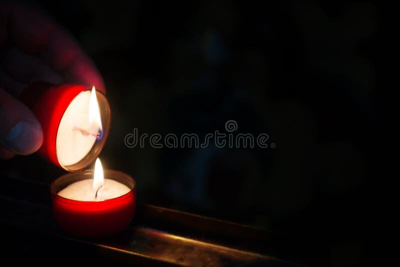 Разожгите светлый мемориал стоковая фотография