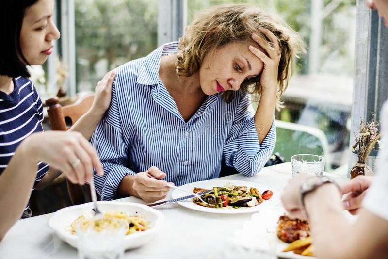 Разочарование женщины без аппетита стоковые изображения