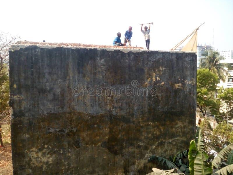 Разрушая здание стоковые фотографии rf
