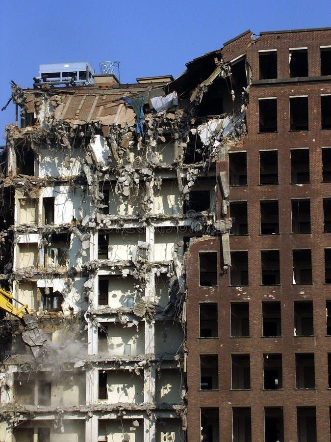 разрушенное здание стоковое фото rf