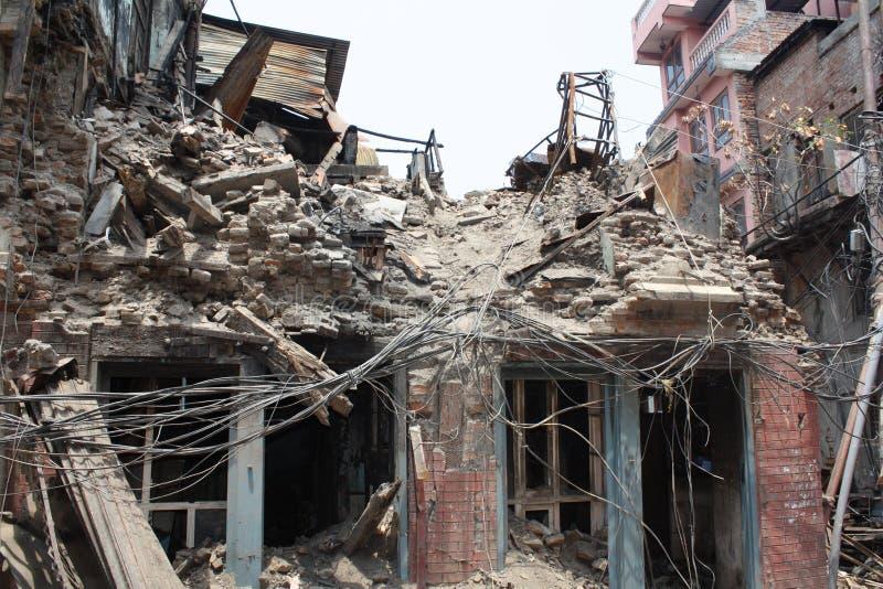 Разрушенное здание в Катманду, Непале после землетрясения 2015 стоковое изображение rf