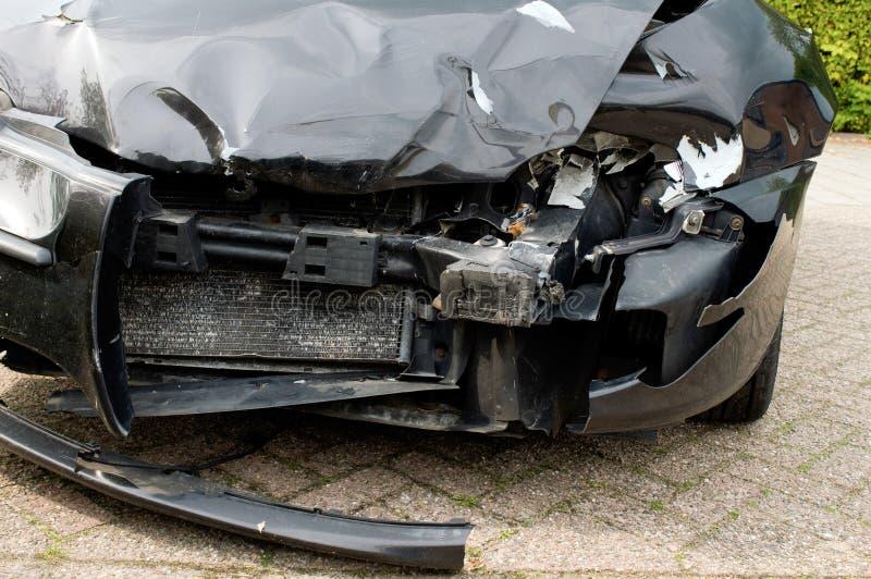 разрушенный автомобиль стоковые изображения rf