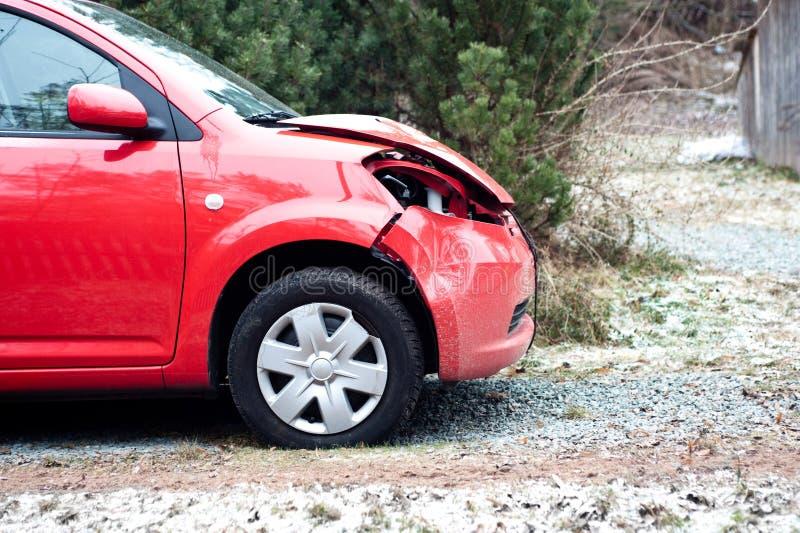 разрушенный автомобиль стоковое изображение rf