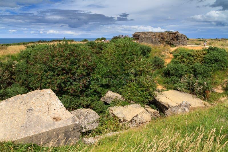 Разрушенный бункер в Нормандии стоковые изображения