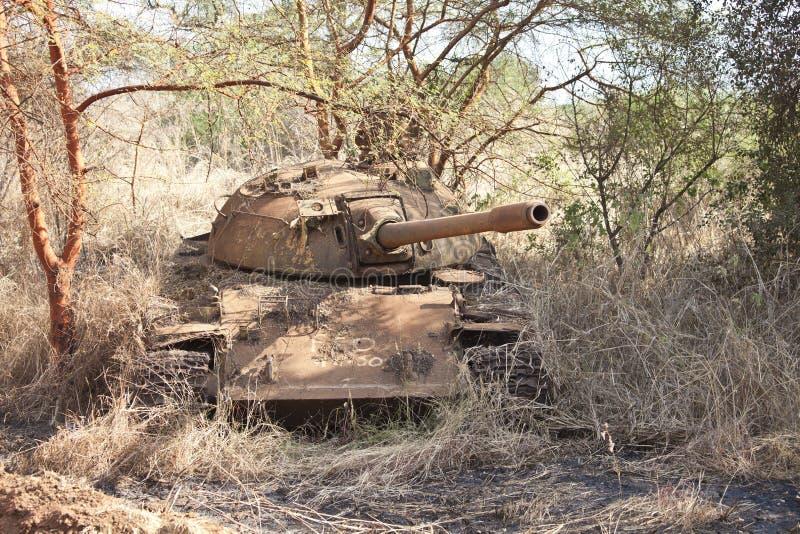 Разрушенный танк в южном Судане стоковые изображения