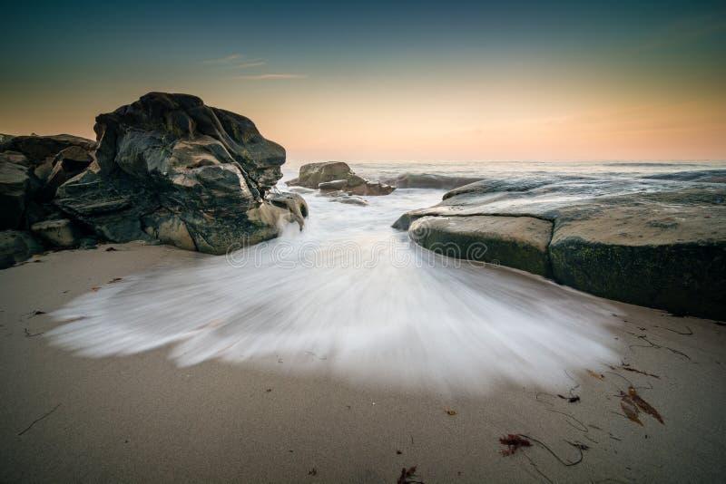 Разрывать волны стоковые изображения
