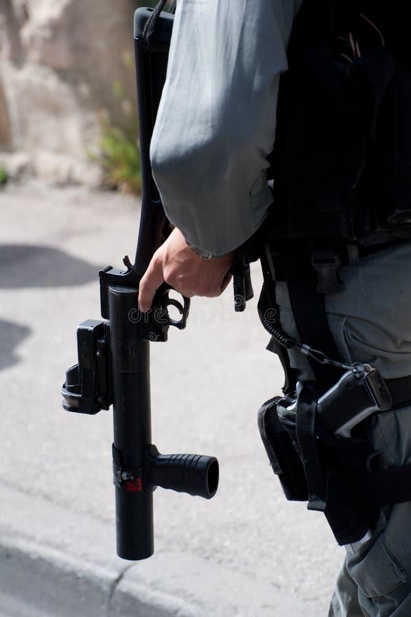 разрыв пушки гранаты газа стоковые фото
