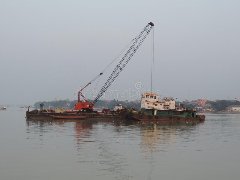Разделение инженерства на реке стоковые фотографии rf