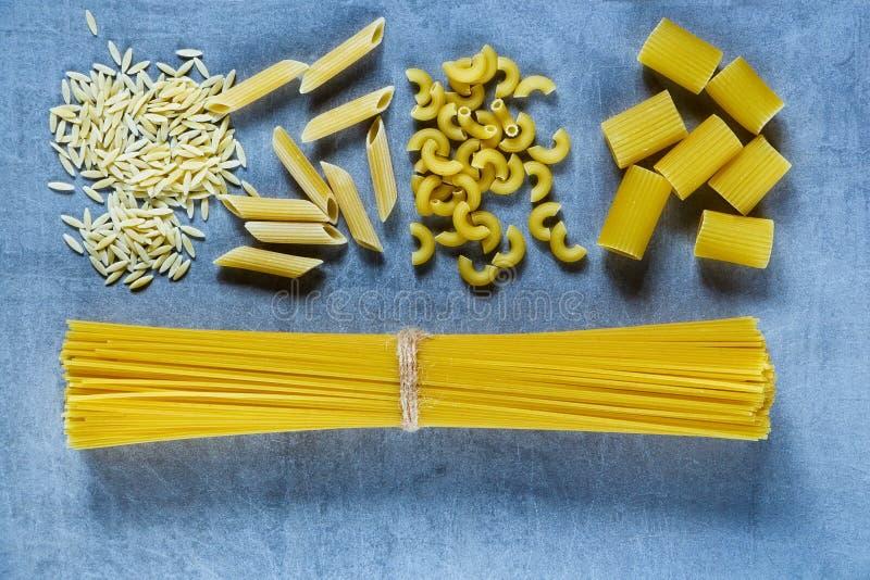 Различное смешивание макаронных изделий стоковое изображение rf