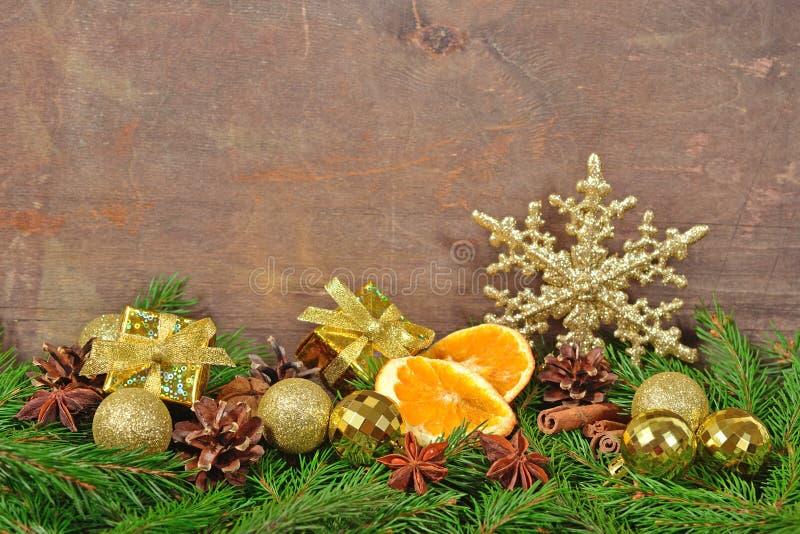 Различные виды специй, конусов и высушенных апельсинов, рождества de стоковое изображение