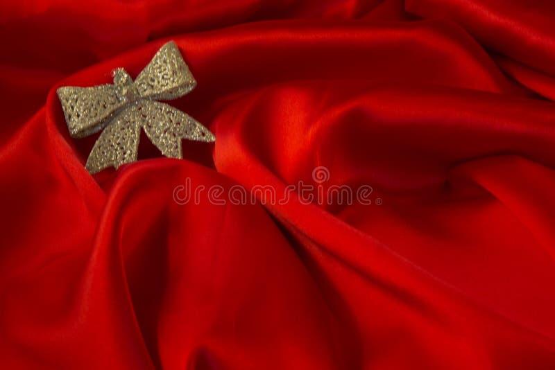 Download Различные игрушки на пламенистой красной предпосылке на Новый Год Стоковое Изображение - изображение насчитывающей торжество, поздравление: 81806819