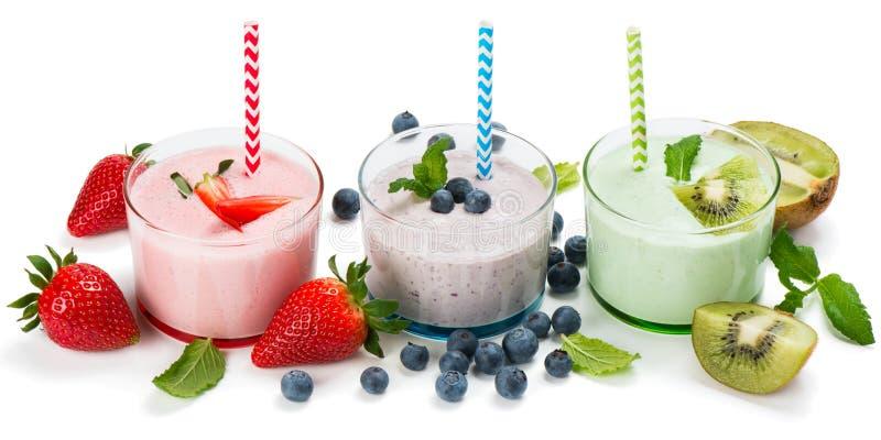 Различные свежие smoothies ягод стоковые фотографии rf