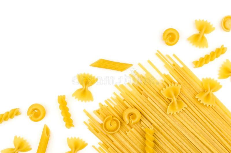 Различные типы макаронных изделий стоковая фотография rf