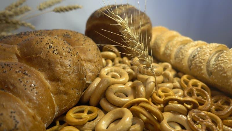 Download Различные хлеб и уши пшеницы закрывают Hd Стоковое Фото - изображение насчитывающей торт, кухня: 81803776