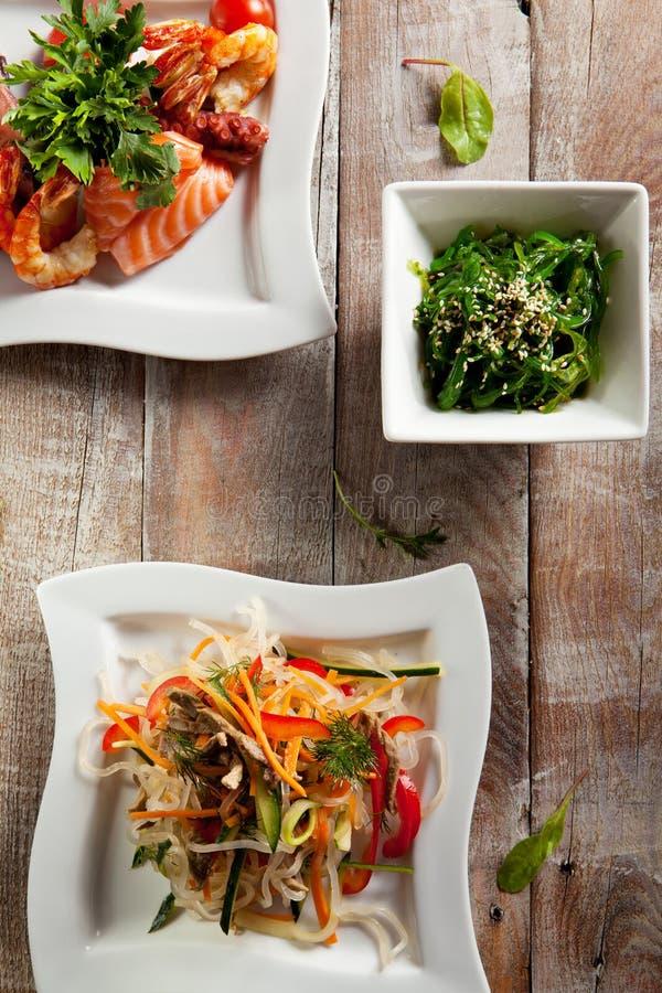 Различный салат морепродуктов стоковые изображения