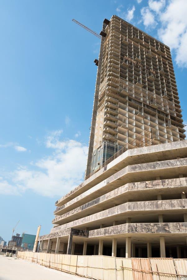 Район Абу-Даби новый с конструкцией небоскребов стоковые фотографии rf