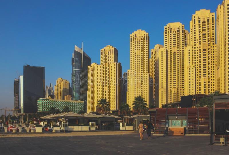 Район Марины Дубай на времени захода солнца Дубай на мае 2019 стоковые фотографии rf