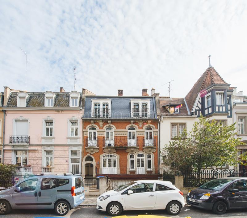 Район Orangerie страсбурга с красивыми домами и автомобилями стоковое фото