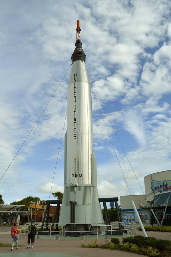 Ракета Аполлона на дисплее в Космическом Центре имени Кеннеди стоковые фото