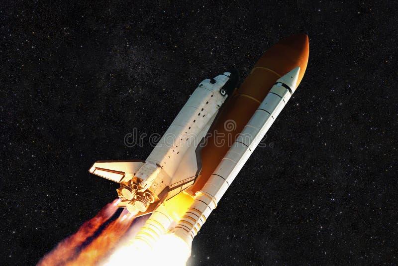 Ракета космического корабля и звёздное небо стоковое фото