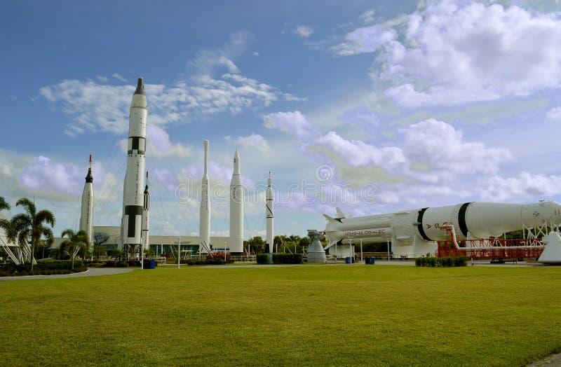 Ракеты Аполлона на дисплее в космическом центре Кеннеди стоковые фотографии rf