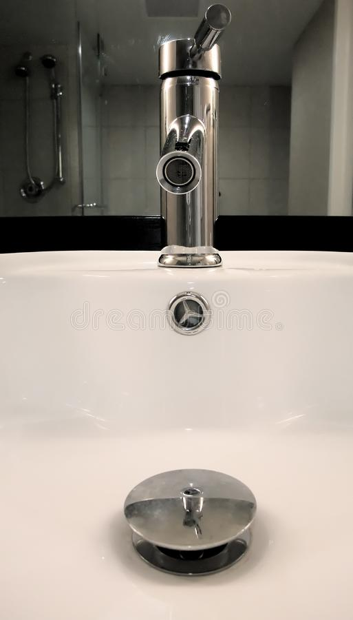 раковина ванной комнаты стоковое фото rf