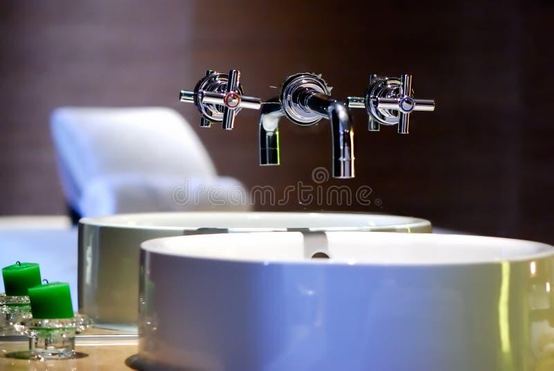 раковина faucet стоковые изображения rf