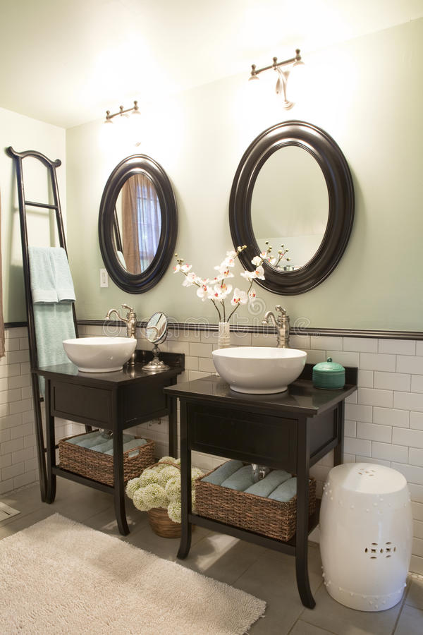 раковины ванной комнаты стоковое изображение